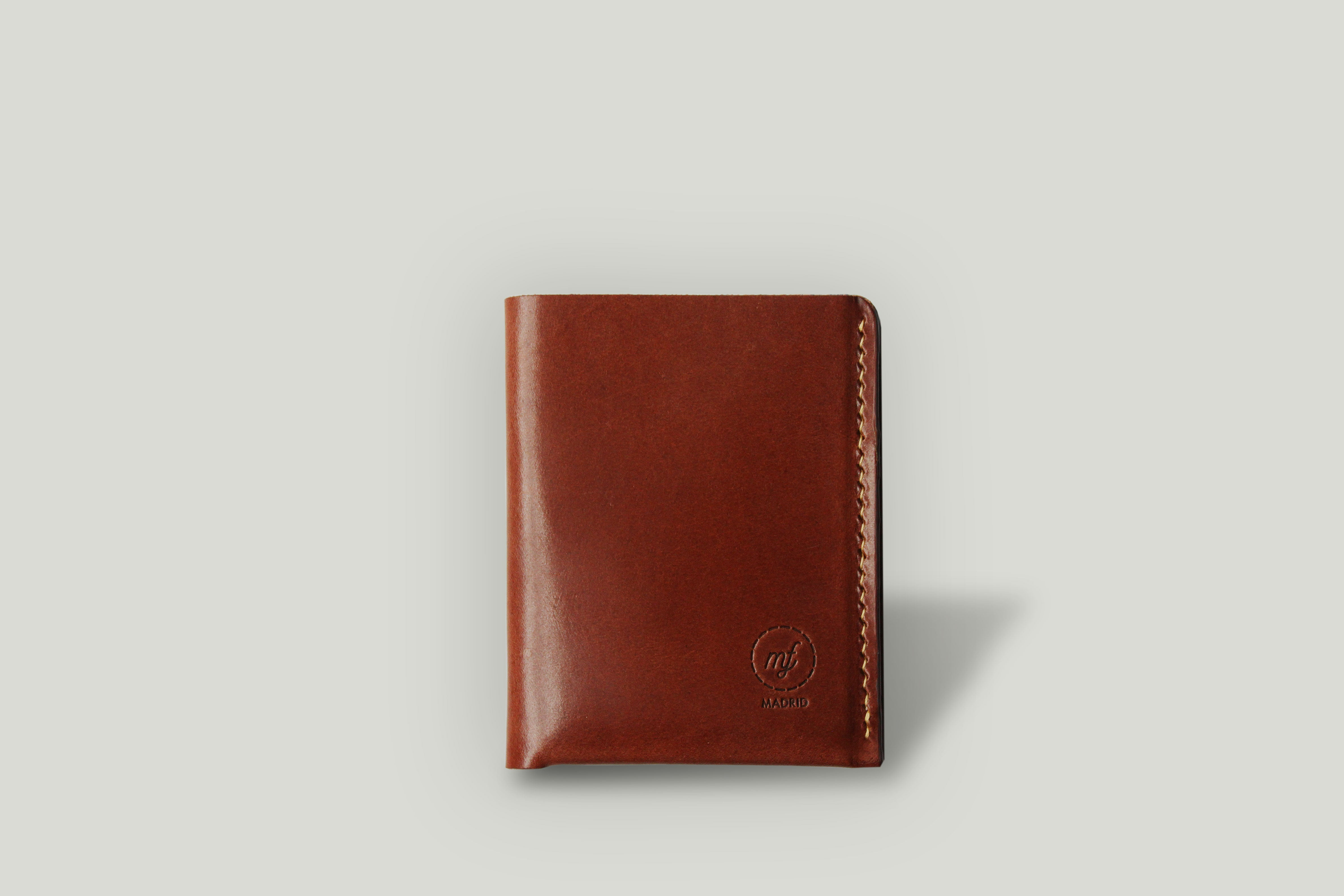 NO. 7 | SLIM BIFOLD WALLET