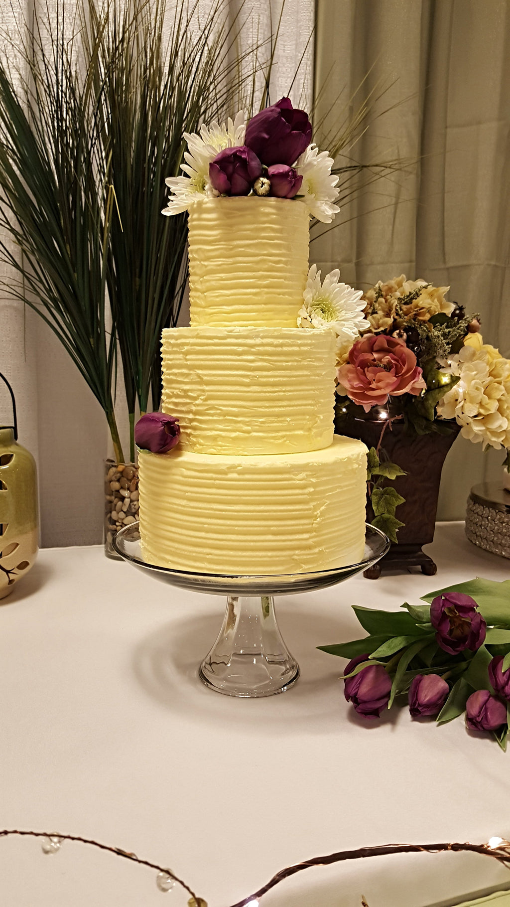 Luscious Desserts Icing wedding cake