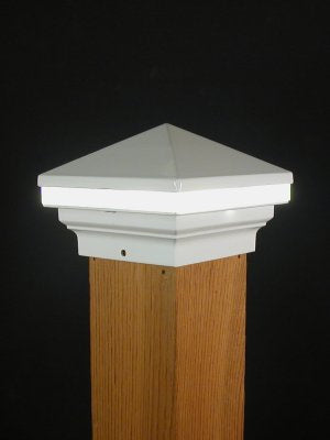 Aurora Iris Anello LED Deck Post Light