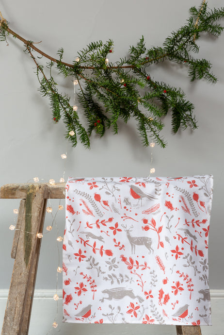 Sam Wilson Studio Robin & Reindeer Cotton Tea Towel, Grey and Red