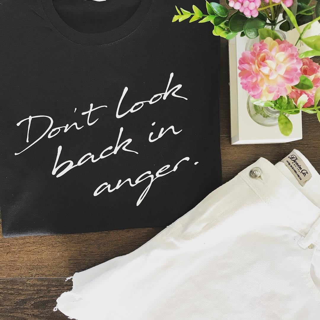 DON'T LOOK BACK IN ANGER TEE