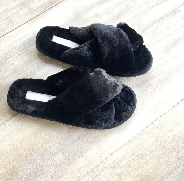 Covergirl Black Faux Fur Slipper