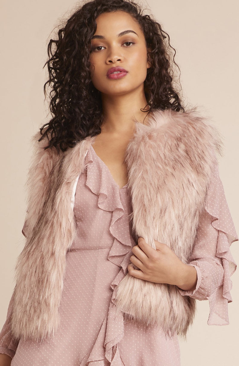 BB DAKOTA Barbarella Faux Fur Vest in Blush