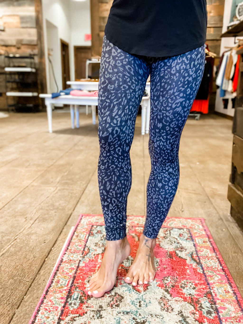 Spanx Look At Me Now Indigo Leopard Leggings