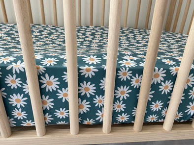 Daisy- Crib Sheet