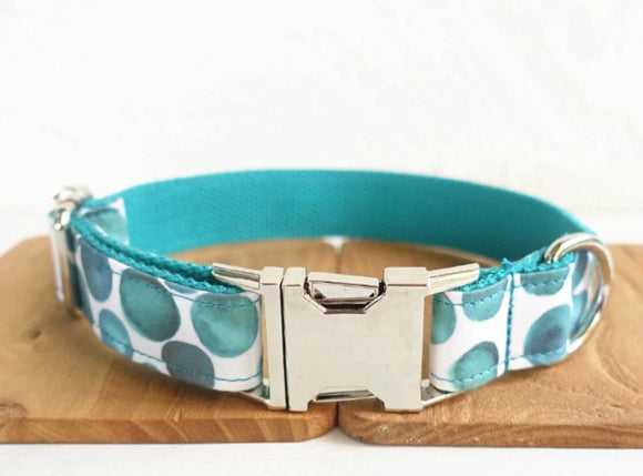 AQUA bubbles patterned dog collar and lead with metal fittings