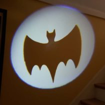 DocQuest Bat-Signal projector Batman 66 LE Model kit!