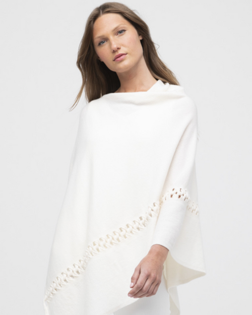 TWIST STITCH PONCHO