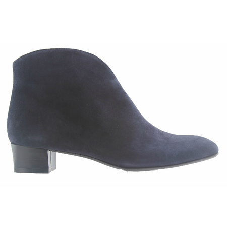 Cute - Black Suede