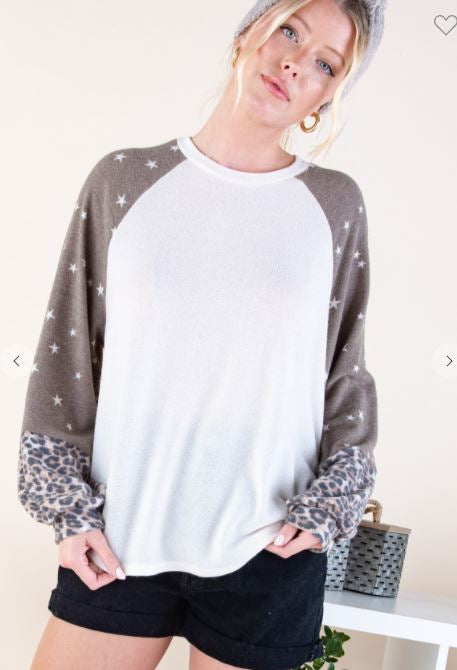 STAR PRINT LONG SLEEVES TOP