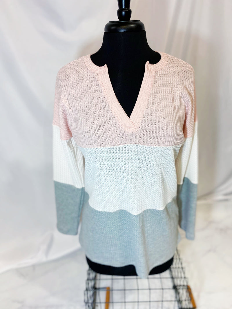 WAFFLE KNIT W/COLOR BLOCK BANDED V NECK TOP