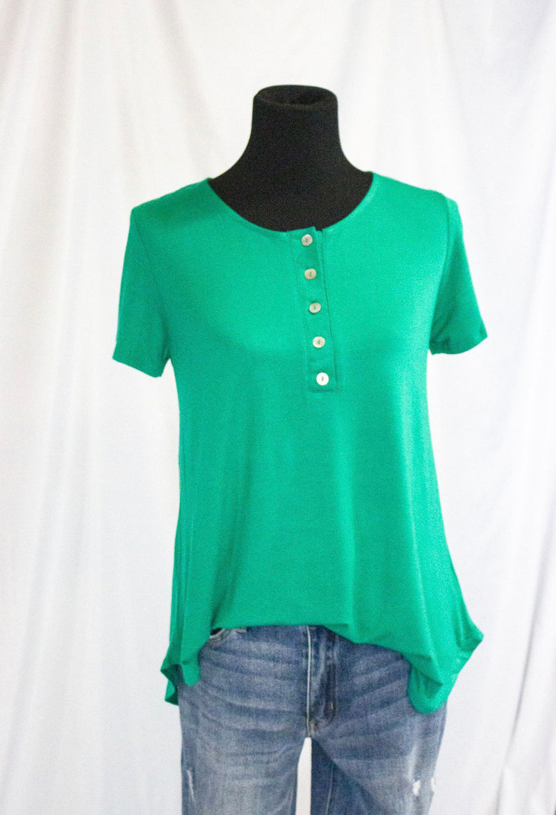 Short Sleeve Button Up Round Neck Top W Rounded Hem