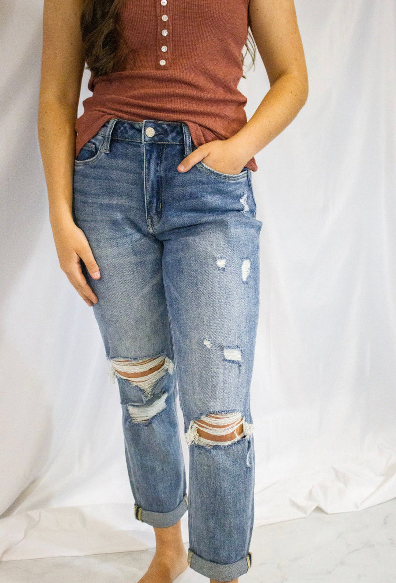 DREAM DISTRESSED STRETCH BOYFRIEND