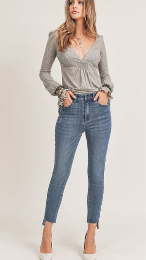 HIGH RISE TWISTED SEAM RELAXED FIT SKINNY
