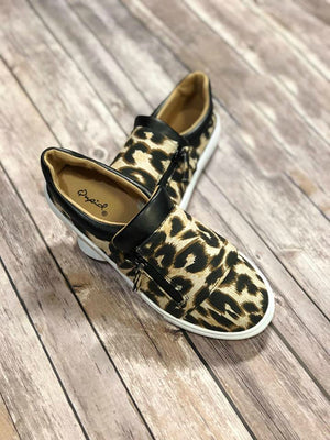 Camel Leopard Canvas
