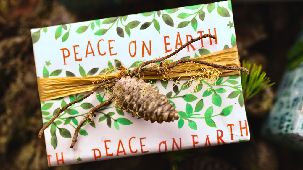 Christmas Gift Wrapping Ideas - Eco-Friendly Wrapping Paper with Ribbon and Pinecones