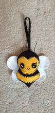 Make Your Own Kawaii Bee Felt Kit/ Sewing Kit / Cute Bee / Hand Sewing Kit