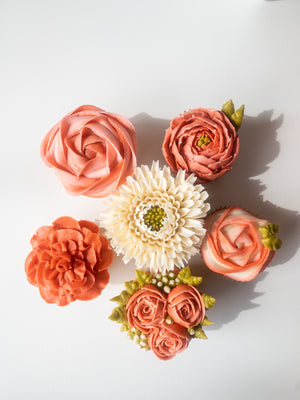 May 18th @ 6:00 PM Hands-on Beginning Butter Cream Flowers w/ Jaymie