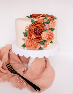 April 20th @ 6:00 PM How to Make the Perfect Floral Cake Hands-On w/ Jaymie Maughan