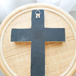 Sana Inlay Cross