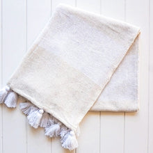 Bakari Throw - White/Natural