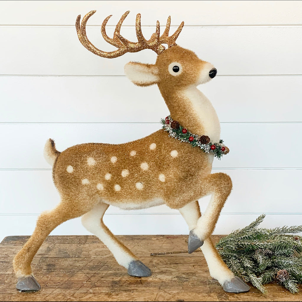 Glittered Deer w/Wreath - Large