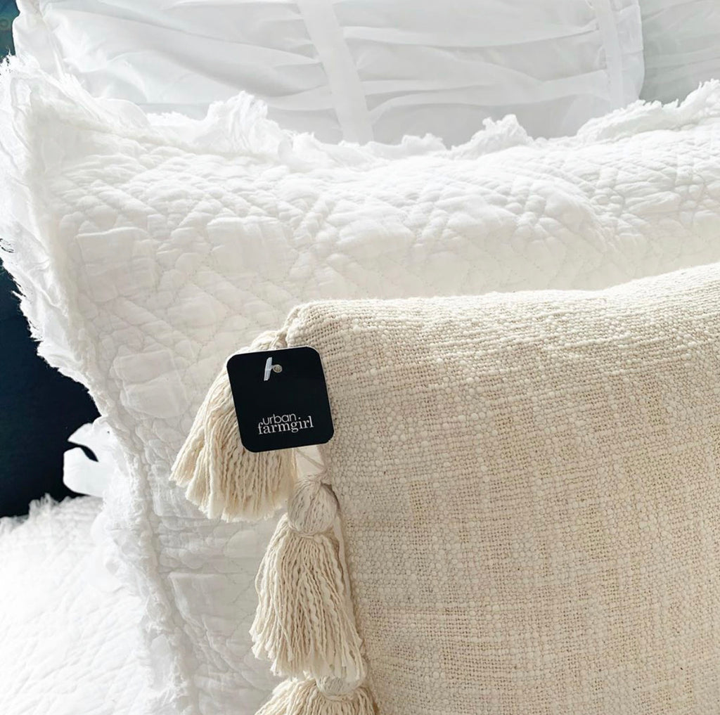 White Frayed Edge Quilt Set