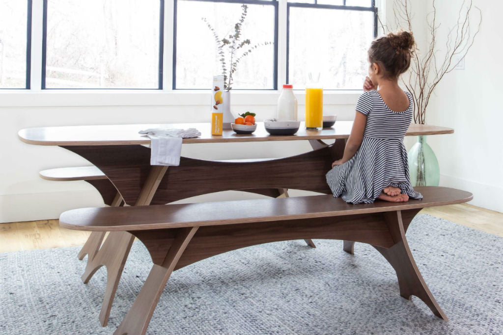 Simbly Dining Table with Girl