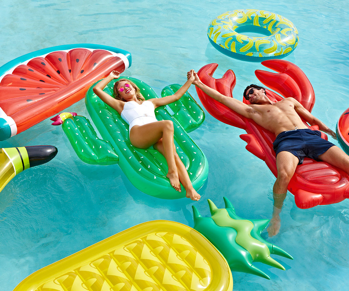 Giant Inflatable Tropical Pineapple Fruit Pool Float - Frenetic Deals