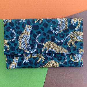FOREST GREEN LEOPARD PRINT CLUTCH