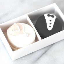 Wedding Bride & Groom Character Macarons (2pcs)
