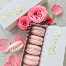 Macarons Bouquet Flowers (10pcs Heartshaped) with Fresh Flower in a Big Gift Box and Ribbon + 10pcs Box