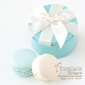 Wedding Door-Gift | 2pcs Macarons | Round Turquoise Box with Ribbon | Packaging: LOVE03