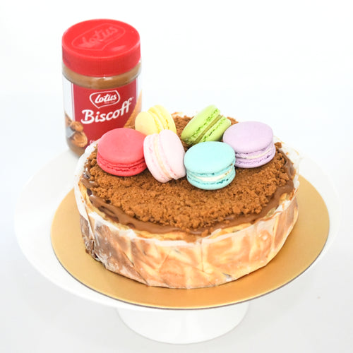 Speculoos Burnt Cheese Cake (18cm | 800g | 8-12 pax) + Free 6pcs Assorted Macarons | Free Birthday Topper + Knife + 1xCandle |  Limited Qty 1st 100 |  $59.90 nett only