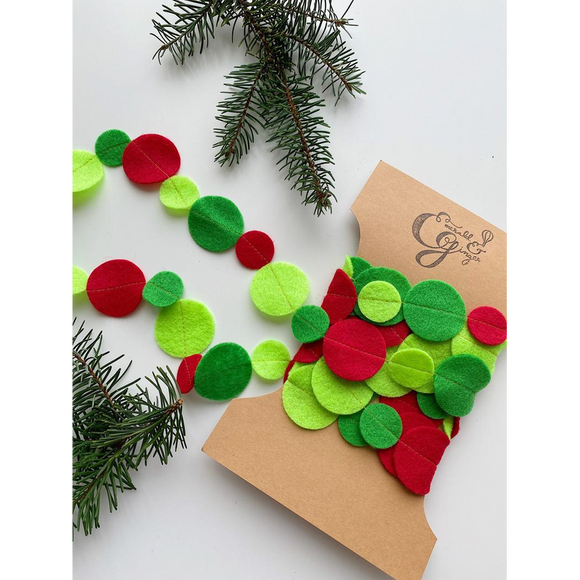 Christmas Felt Circle Garland Ball Red Green