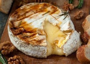 RECIPES : Baked Brie with honey