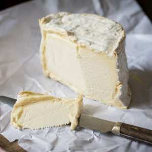 Chaource cheese (450g)