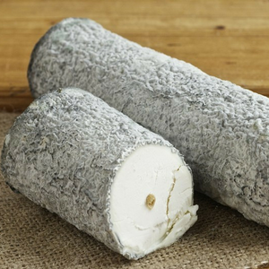 Ste-Maure De Touraine Goat Cheese (200g) - Foodster.vn