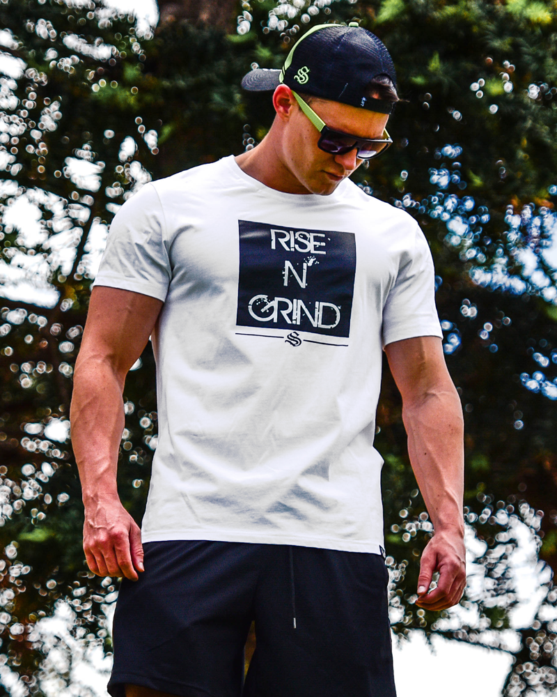 CoolTech Rise N' Grind Tee Mens Strong Liftwear S White
