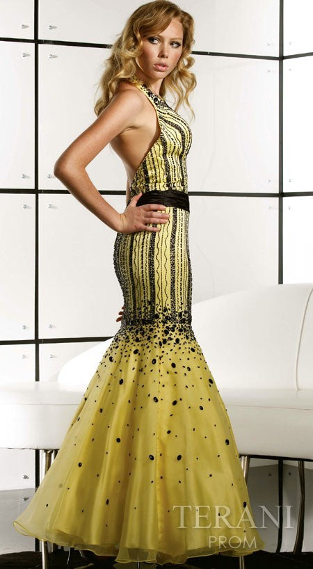 D1077 - High-End Couture Dress