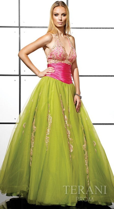 D1055 - Luxurious Ballgown