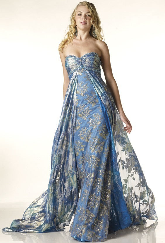 D1120 - Exquisite Evening Gown
