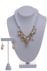 A326 - Necklace and Earring Set