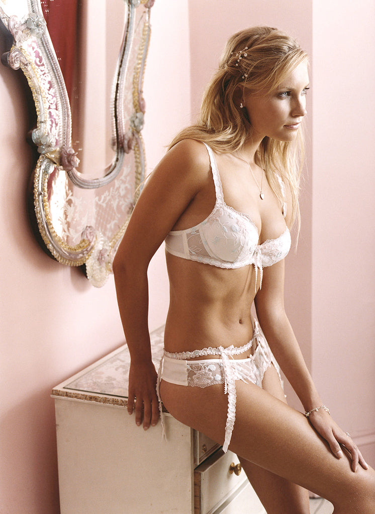 L839 - Bridal Rose Embroidered Suspender Belt