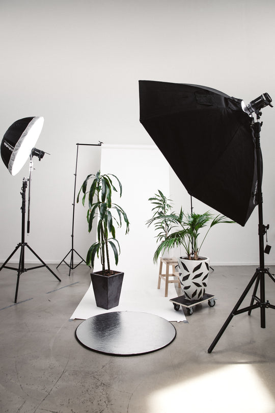 Creative ways to set up your photography studio at home.