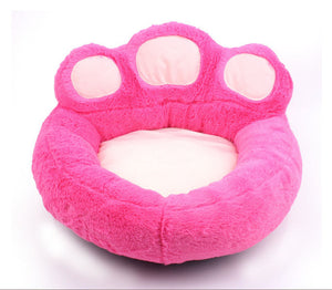 Washable bear paw dog bed