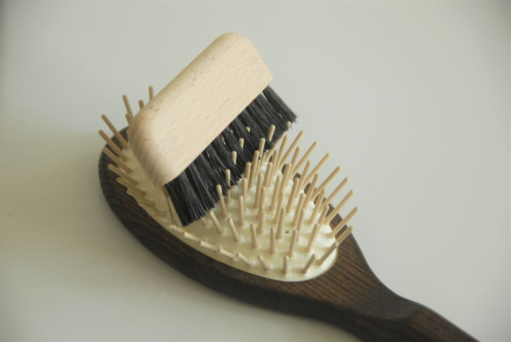 Comb and Brush cleaner bristle