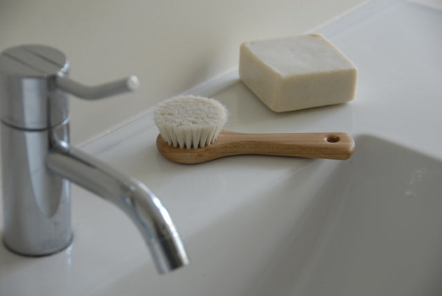 Face and Body brush - Heaven in Earth