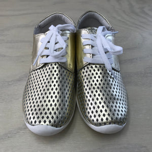 EOS Xanax - ONLINE ONLY, size 36