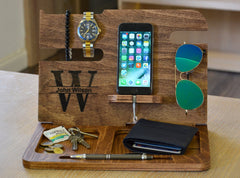 Wood docking station for men
